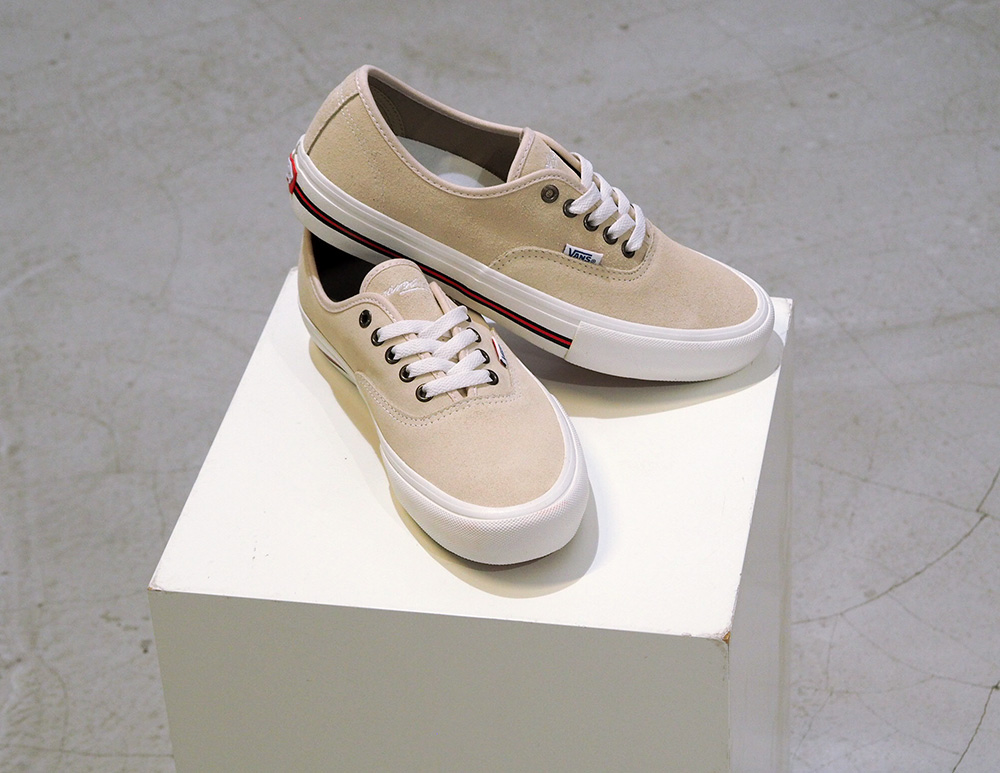 vans-x-yardsale_authentic_01VUBAtlMb8xcXG